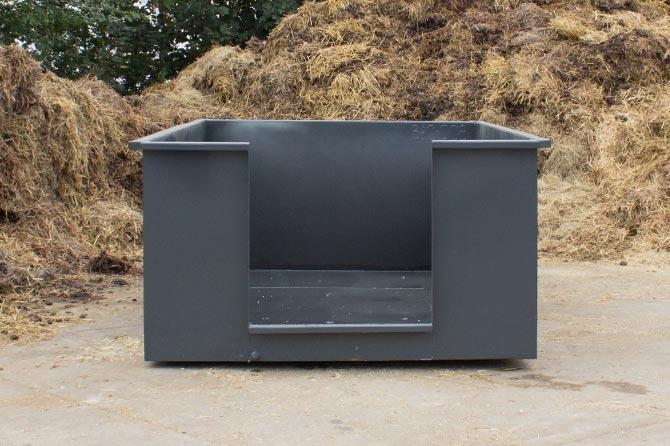 basic-mestbak-voorkant-mestcontainer-paardenmest