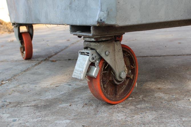 remmen-richtingvastzetter-rolcontainer-paardenmest