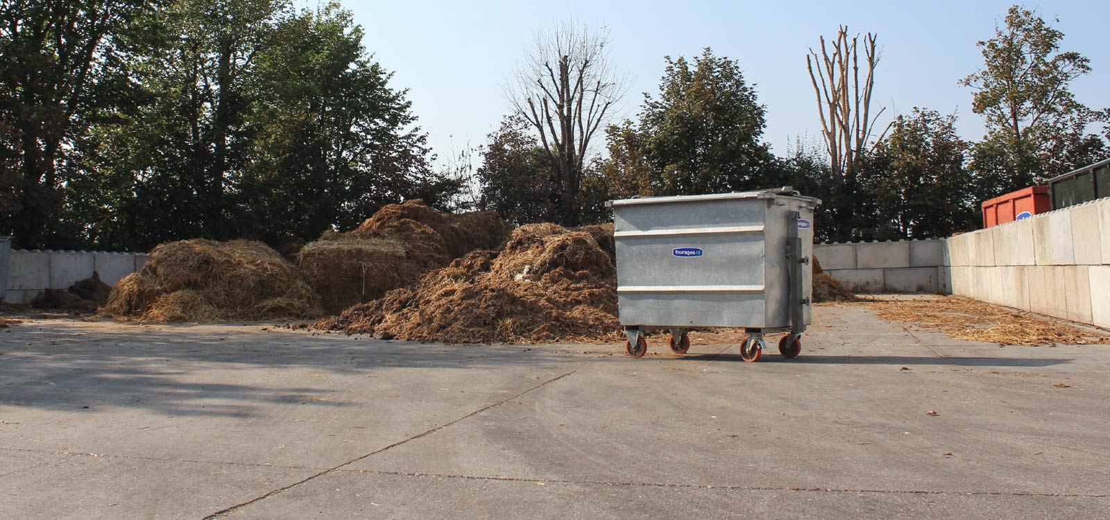 rolcontainer-ideale-oplossing-paardenmest-2-paarden