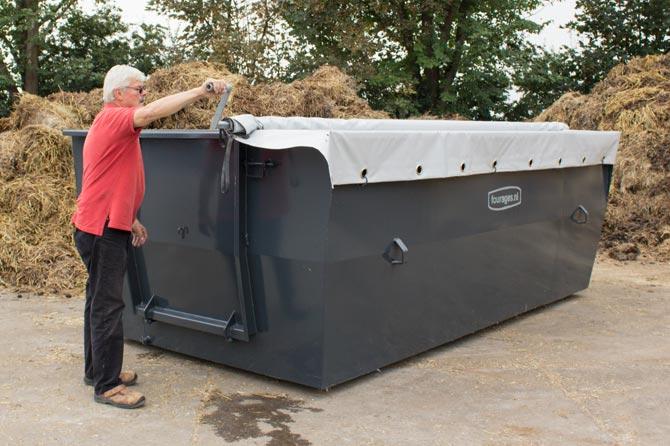 zeil-oprollen-paardenmestcontainer
